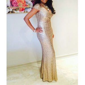 Cache Gold Sequin Shortsleeved Gown